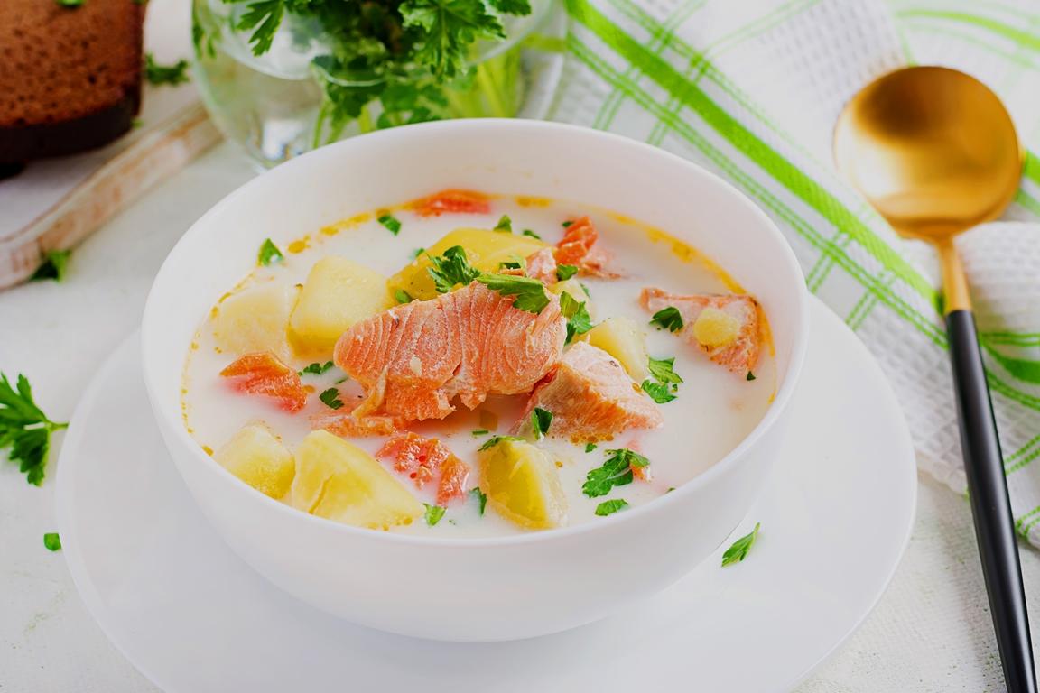 Assiette de Ragoût de Poissons au Lait