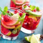boissons rafraîchissantes sans alcool en verre